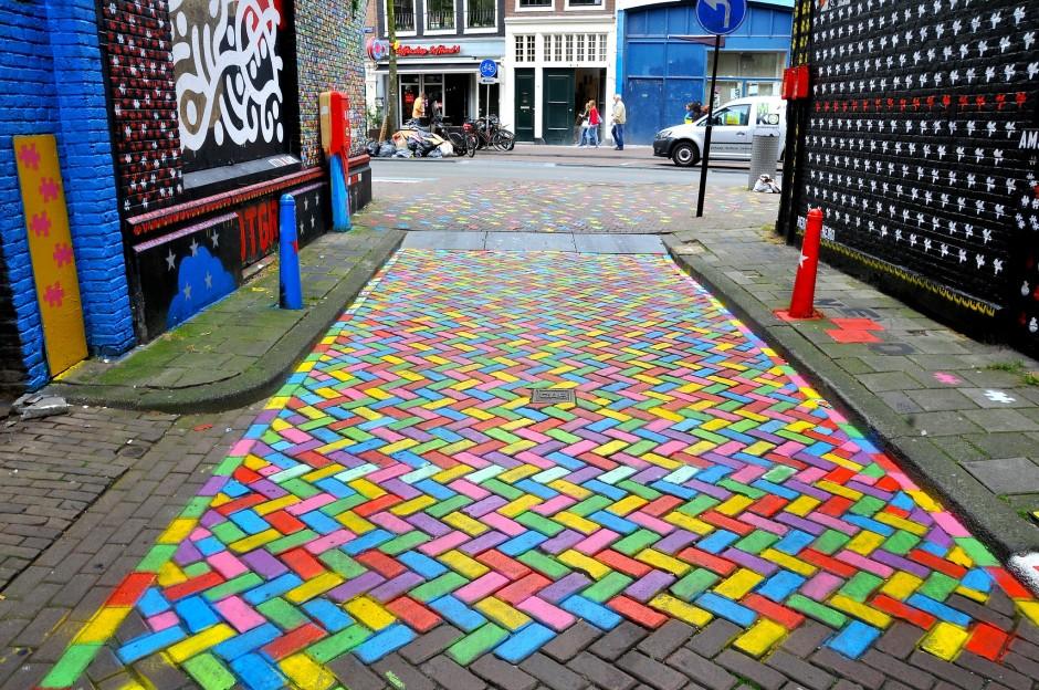 street-art-amsterdam-wijdesteeg-original.jpg
